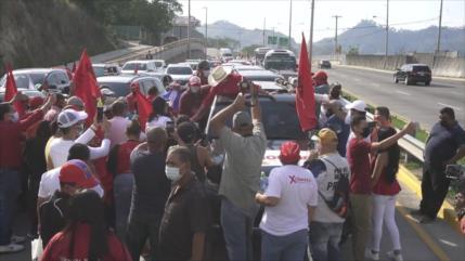 Xiomara Castro realiza caravana política en Honduras