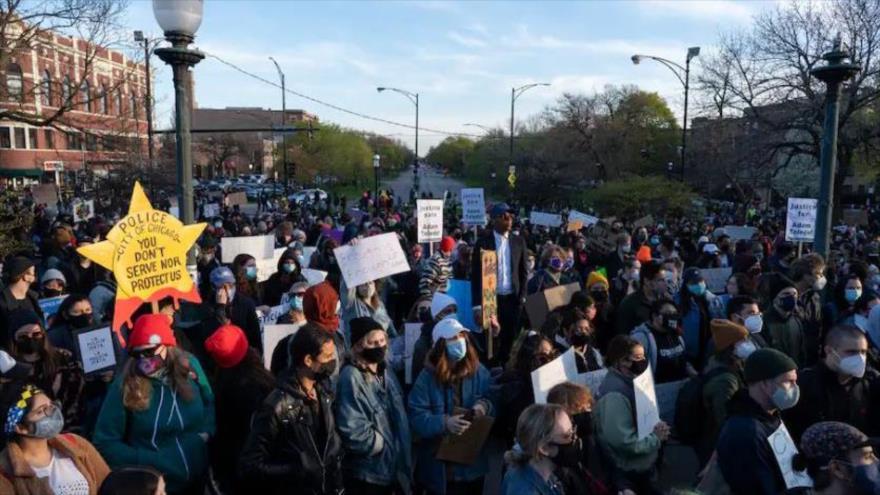 Manifestantes toman las calles de Chicago contra violencia policial