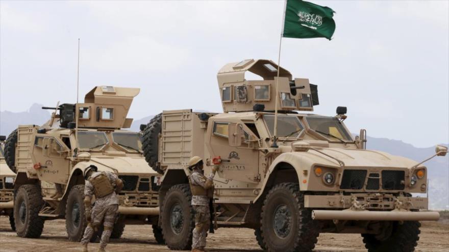 Vehículos blindados del Ejército de Arabia Saudí, durante una misión. (Foto: Reuters)
