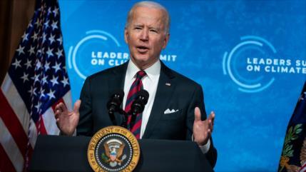 Aluvión de niños migrantes hacen tambalear Gobierno de Biden