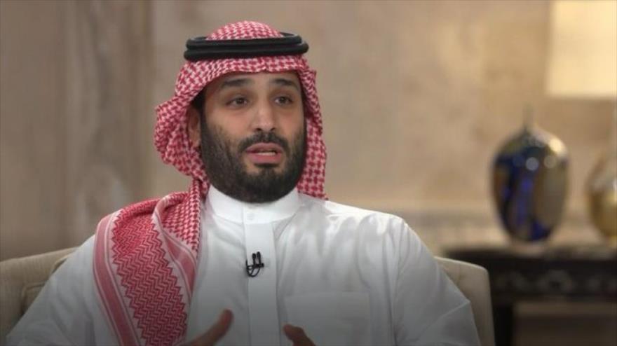 El príncipe heredero de Arabia Saudí, Mohamad Bin Salman, durante su entrevista con la cadena saudí de Al-Arabia, 27 abril de 2021.