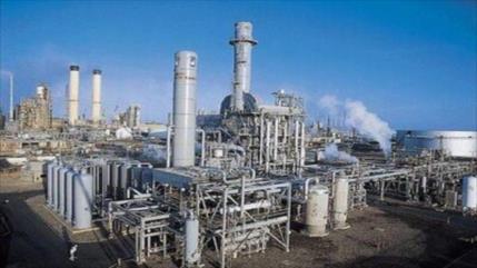Venezuela produce gasolina como nunca antes en refinerías reparadas