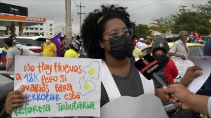 Colombianos protestan contra la reforma tributaria
