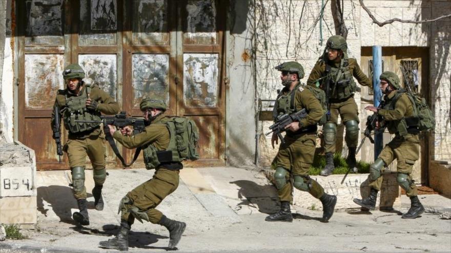 Las fuerzas de ocupación israelí intervienen para reprimir una protesta en una aldea de Cisjordania, 29 de enero de 2020, (Foto: AFP)