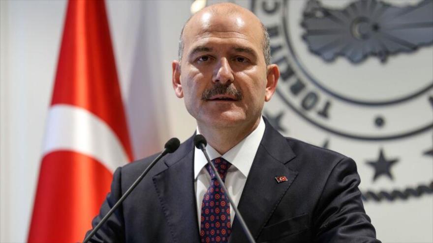 El ministro del Interior turco, Suleyman Soylu ofrece un discurso en una conferencia de prensa en Ankara, capital, 22 de abril de 2019. (Foto: AFP)