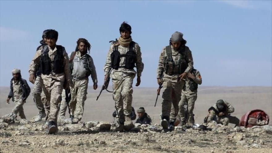 Integrantes de las llamadas Fuerzas Democráticas Sirias (FDS), apoyadas, por EE.UU., se trasladan de Deir Ezzor a Afrin (Siria).