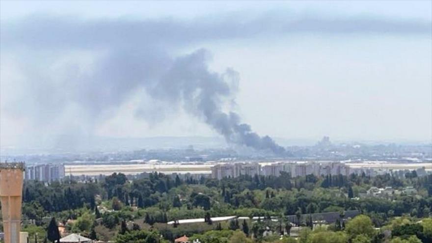 Gran incendio cerca del aeropuerto israelí Ben Gurion