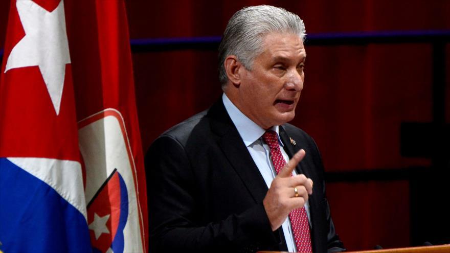 El presidente de Cuba, Miguel Díaz-Canel, habla durante una sesión del Partido Comunista de Cuba en La Habana (capital), 19 de abril de 2021. (Foto: AFP)