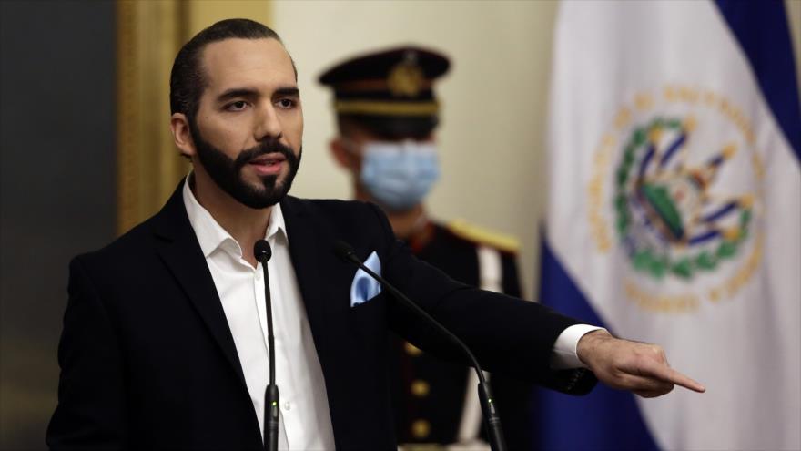 El presidente de El Salvador, Nayib Bukele, ofrece una rueda de prensa en San Salvador, la capital, 24 de septiembre de 2020. (Foto: AFP)