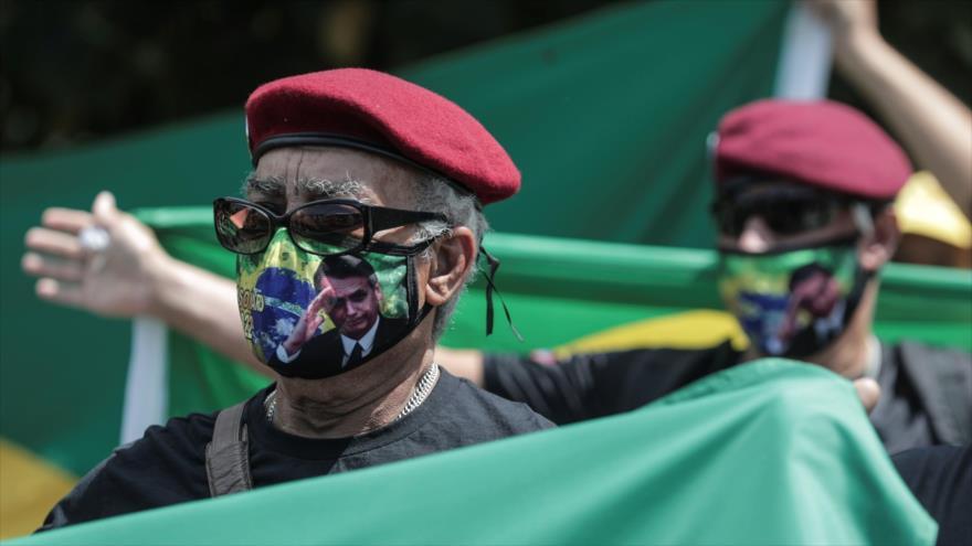 Simpatizantes del presidente brasileño, Jair Bolsonaro, en Río de Janeiro, 31 de marzo de 2021. (Foto: EFE)