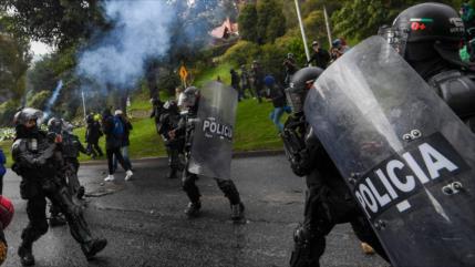 Policía de Colombia dispara a agentes de ONU en protestas sociales