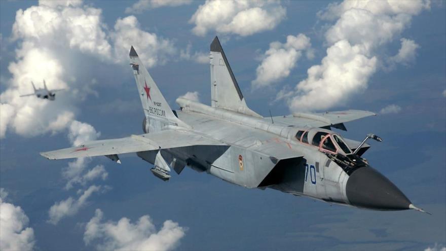 Un avión de combate MiG-31 de la Fuerza Aérea de Rusia.