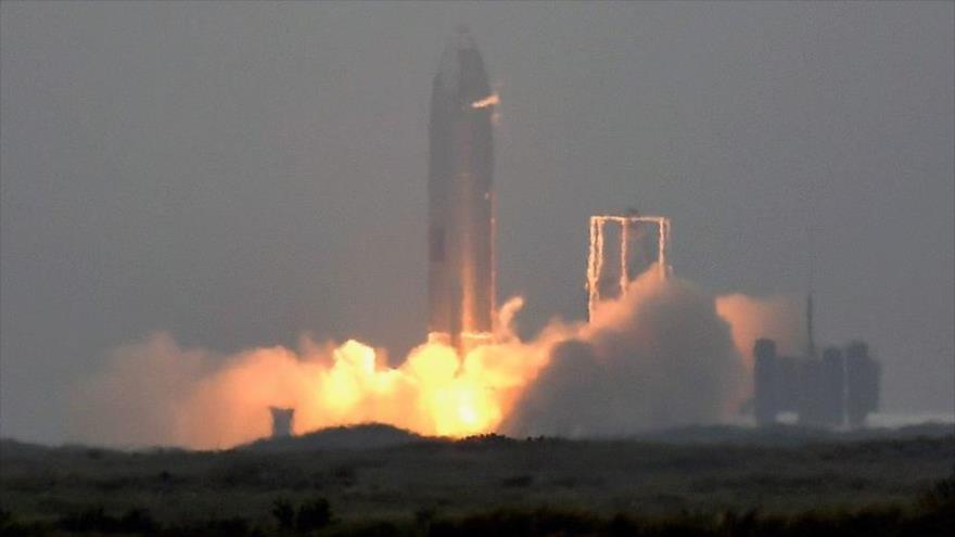Vídeo: SpaceX aterriza con éxito el prototipo de su cohete