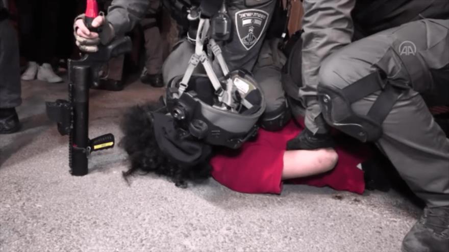 Vídeo: Brutalidad de fuerzas israelíes recuerda al caso Floyd