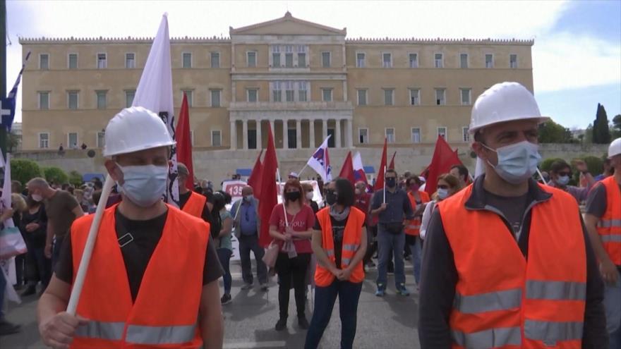 Acuden a la huelga en Grecia para protestar contra nueva ley laboral