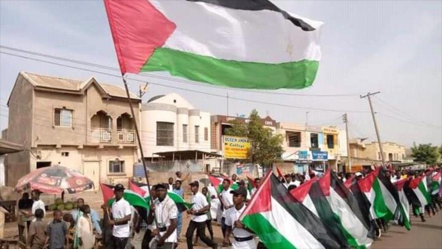 Nigerianos participan en la marcha del Día Mundial de Al-Quds. 7 de mayo de 2021.