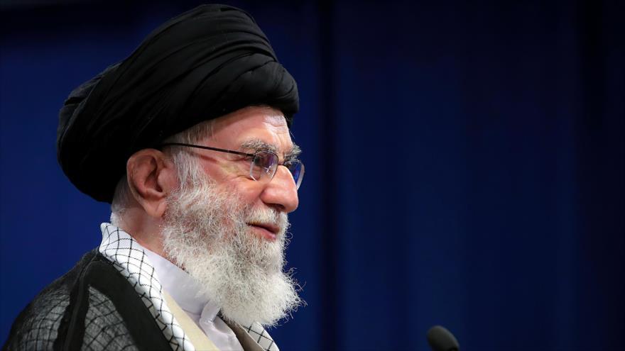 Líder de la Revolución Islámica, el ayatolá Seyed Ali Jamenei, ofrece un discurso en el Día Mundial de Al-Quds, 7 de mayo de 2021. (Foto: Khamenei.ir)