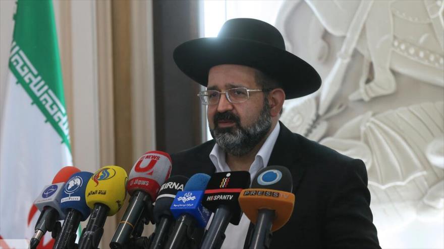El líder judío iraní, Younes Hamami Lalehzar, durante una reunión de los líderes de las minorías religiosas en Teherán. (Foto: IRNA)
