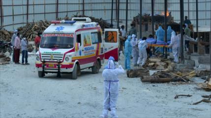 Se agrava crisis de COVID-19 en La India y aumentan muertos diarios
