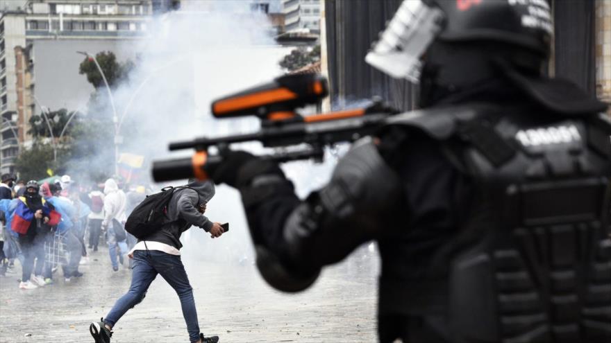 Represión policial en Colombia se salda con 39 víctimas mortales
