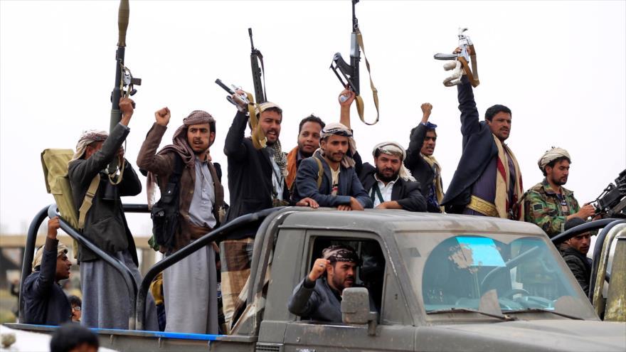 Fuerzas del movimiento popular yemení Ansarolá.