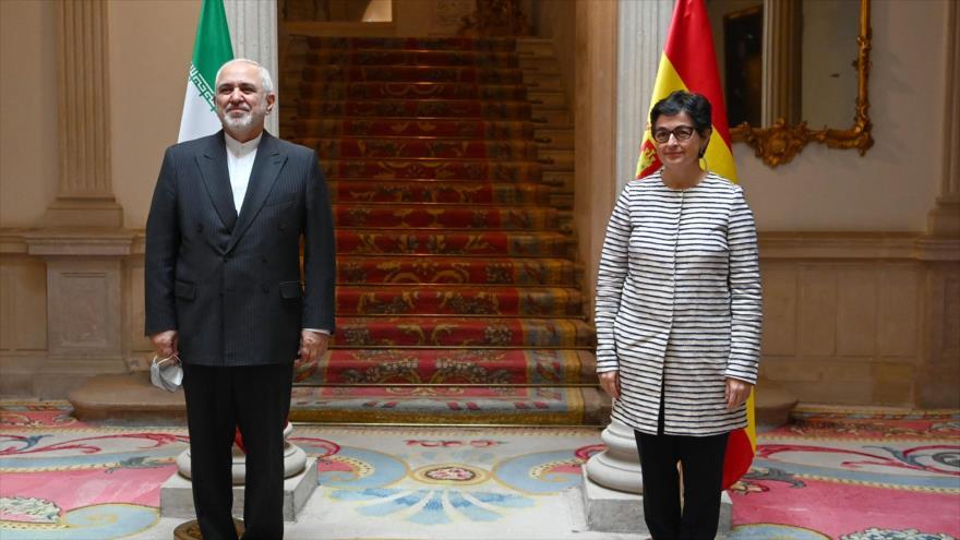 El canciller iraní, Mohamad Yavad Zarif, se reúne con su homóloga española, Arancha González Laya, en Madrid, 13 de mayo de 2021. (Foto: AFP)