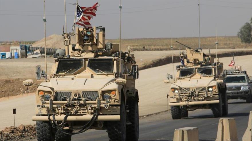 Un convoy de vehículos estadounidenses en el norte de Siria, en un cruce fronterizo iraquí-sirio, 21 de octubre de 2019. (Foto: Reuters)