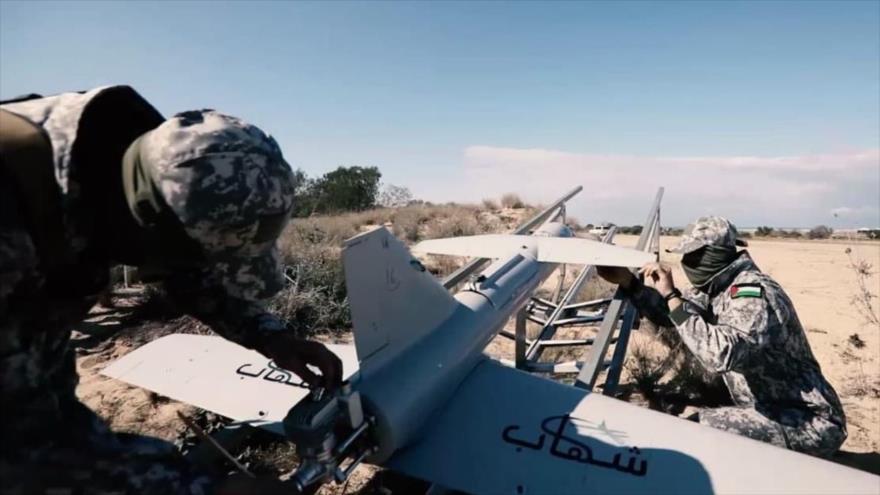 El movimiento palestino HAMAS presenta avión no tripulado Shahab, de fabricación nacional.