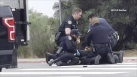 No cesa el racismo en EEUU: Policía golpea a un hombre negro