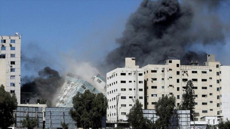Vídeo: Israel derriba un edifico de 14 pisos en Gaza