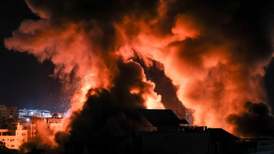 Explosiones en la Franja de Gaza por los bombardeos de fuerzas israelíes, 18 de mayo de 2021. (Foto: AFP)