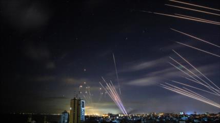 Bases israelíes bajo lluvia de misiles de la Resistencia palestina