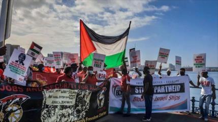 Portuarios de Sudáfrica boicotean cargas de Israel por Palestina