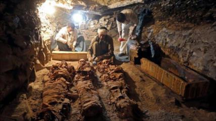 Hallan accidentalmente en Egipto 250 tumbas de hace 4200 años