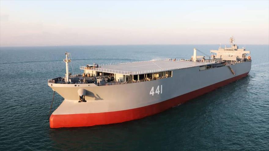Makran, la nave más grande de la Armada iraní.