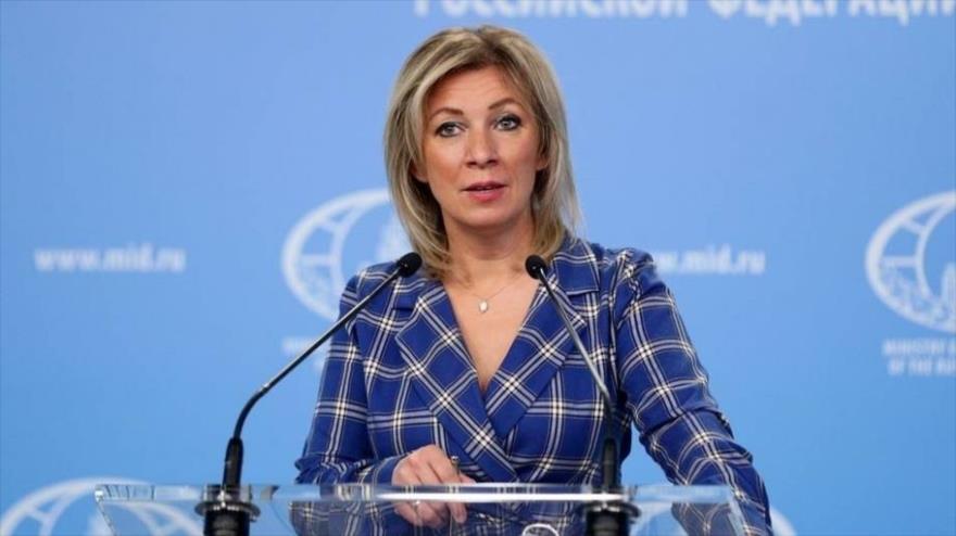 La portavoz de la Cancillería rusa, María Zajárova, habla durante una conferencia de prensa.