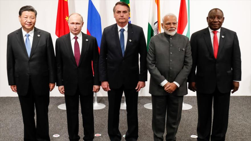 Los dirigentes de los países miembros del grupo BRICS compuesto por Brasil, Rusia, La India, China y Sudáfrica.