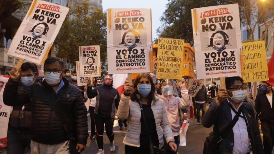 """Keiko no va"": corean miles de peruanos en rechazo a Fujimori"