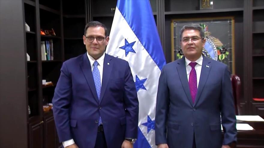 Canciller hondureño huye de las preguntas de HispanTV
