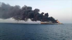 Buque naval iraní IRIS Jark se hunde tras un incendio