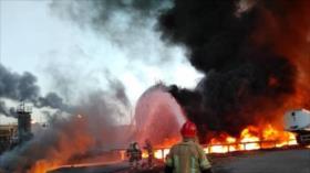 Vídeo: Se desata un incendio en una refinería en Teherán