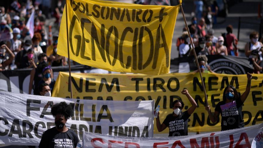 Una protesta contra políticas del presidente brasileño, Jair Bolsonaro, en Belo Horizonte, Brasil, 29 de mayo de 2021. (Foto: AFP)