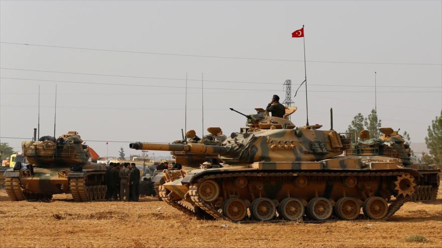 Las fuerzas turcas en la frontera con Siria en la provincia de Gaziantep. (Foto: Reuters)