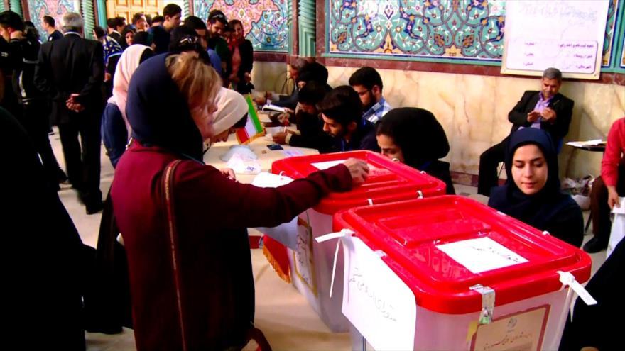 Candidatos presidenciales de Irán siguen sus campañas televisivas