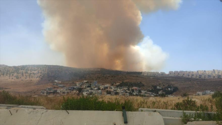 Gran incendio se desata cerca de asentamientos ilegales de Israel