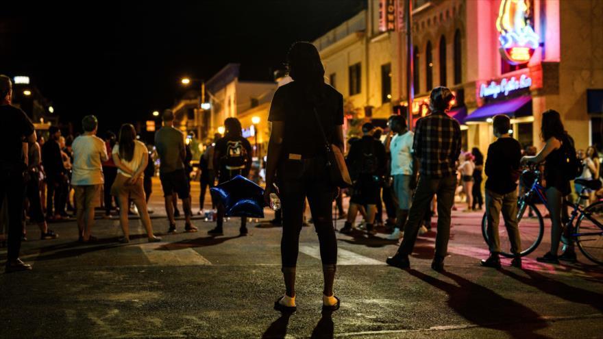 Protestan contra asesinato de Winston Boogie Smith por tiroteo de agentes de fuerza de orden que trataban de arrestarlo, 4 de junio de 2021. (Foto: AFP)