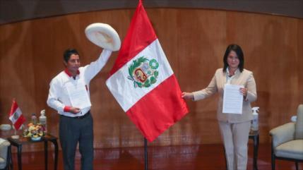 Castillo y Fujimori se disputan las presidenciales de Perú