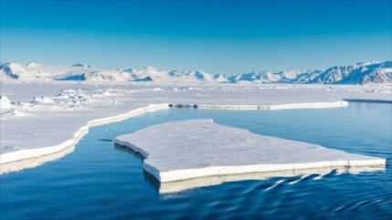 Informe: Espesor del hielo del Ártico se reduce aceleradamente