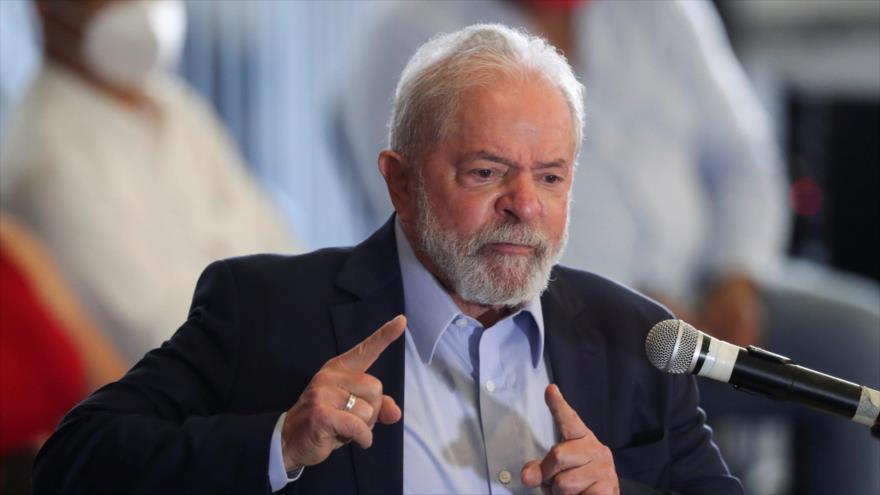 El expresidente brasileño Luiz Inácio Lula da Silva, ofrece una conferencia de prensa en Sao Bernardo do Campo, Sao Paulo, 10 de marzo de 2021.
