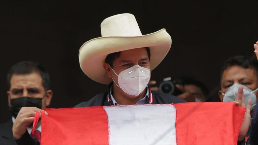 Castillo rechaza denuncia de fraude y pide vigilar los votos | HISPANTV